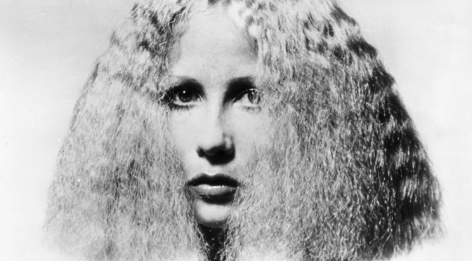 How to Prevent Puffy Hair in Humid Weather